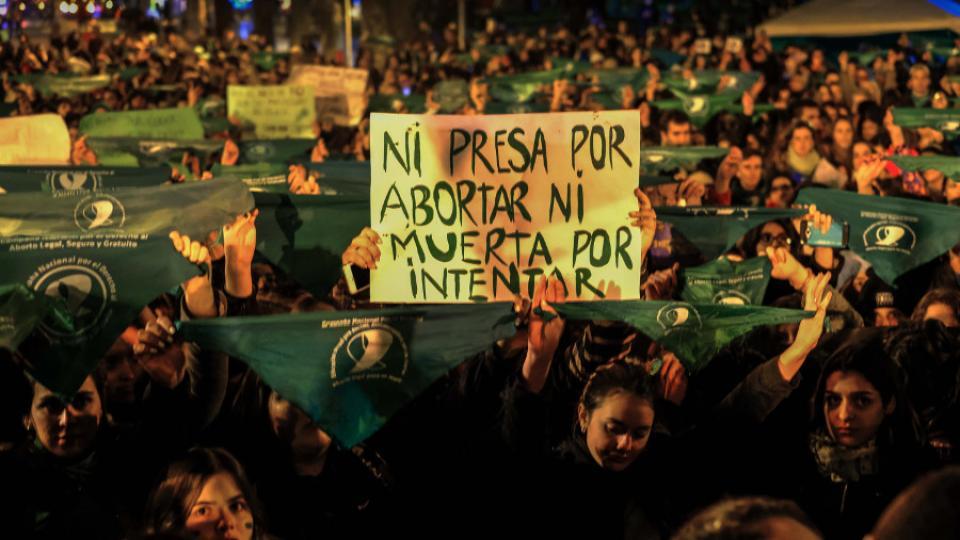 ar aborto ni presa