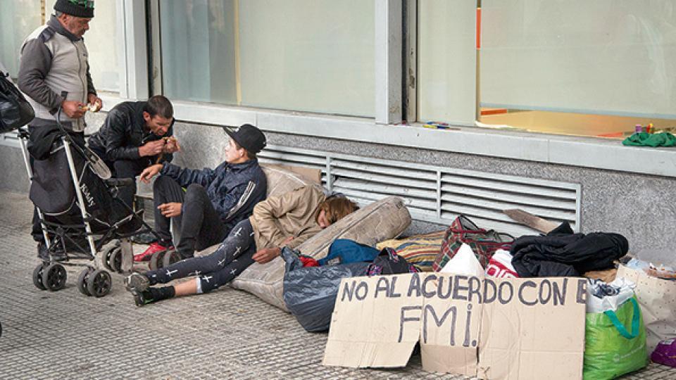 ar no al fmi indigentes