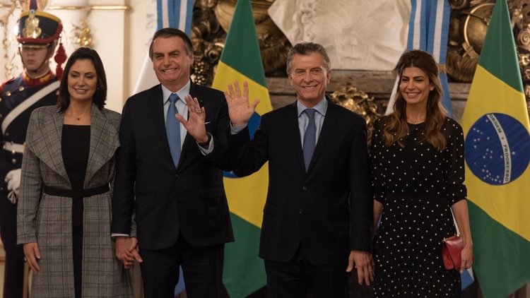ar Macri Bolsonaro y esposas